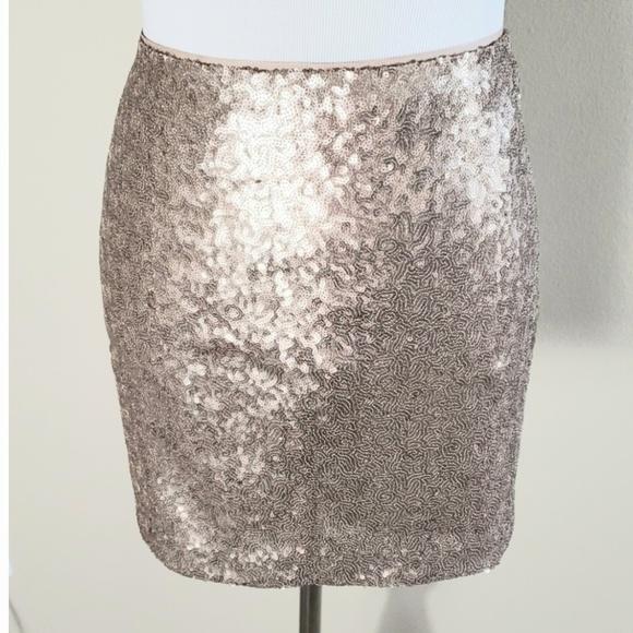 GAP Dresses & Skirts - Sequined skirt